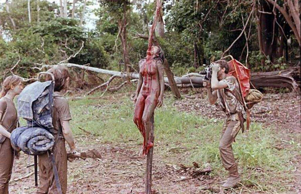 Cannibal Holocaust Ruggero Deodato - Most disturbing moments in in cinema