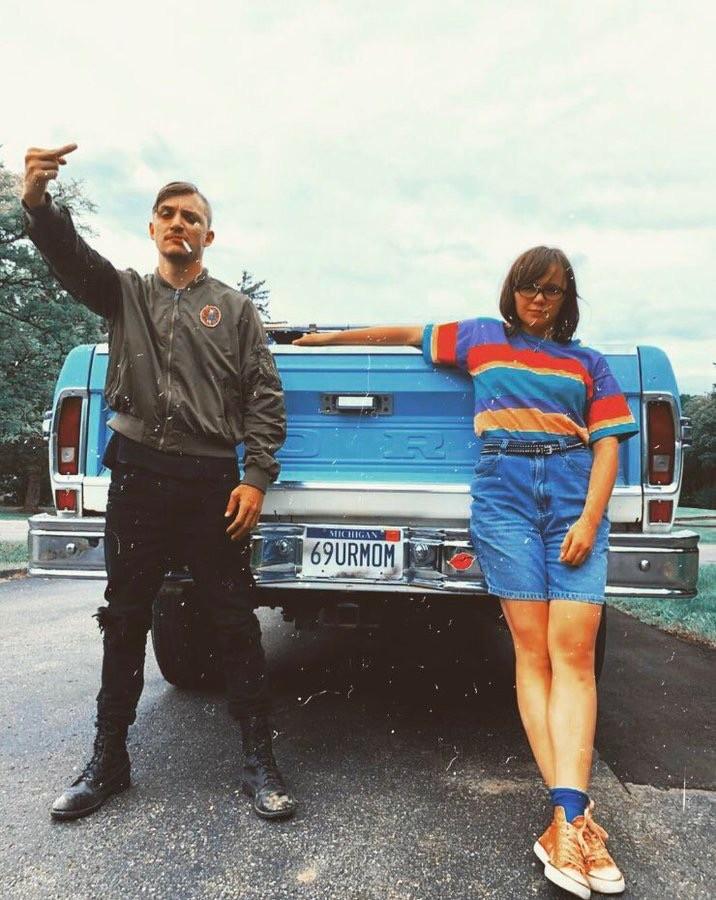 Dinner in America 2020 review - Kyle Gallner and Emily Skeggs