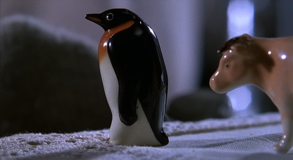 Penguin statue in Misery movie 1990